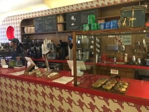 GOSSIP COFFEE カウンターの様子